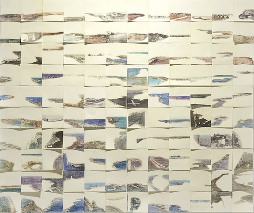 120 seascapes (ramlet el-bayda, 1983), 2018<br />xylene transfer, gouache and graphite on paper, 120 pieces each 15x15cm